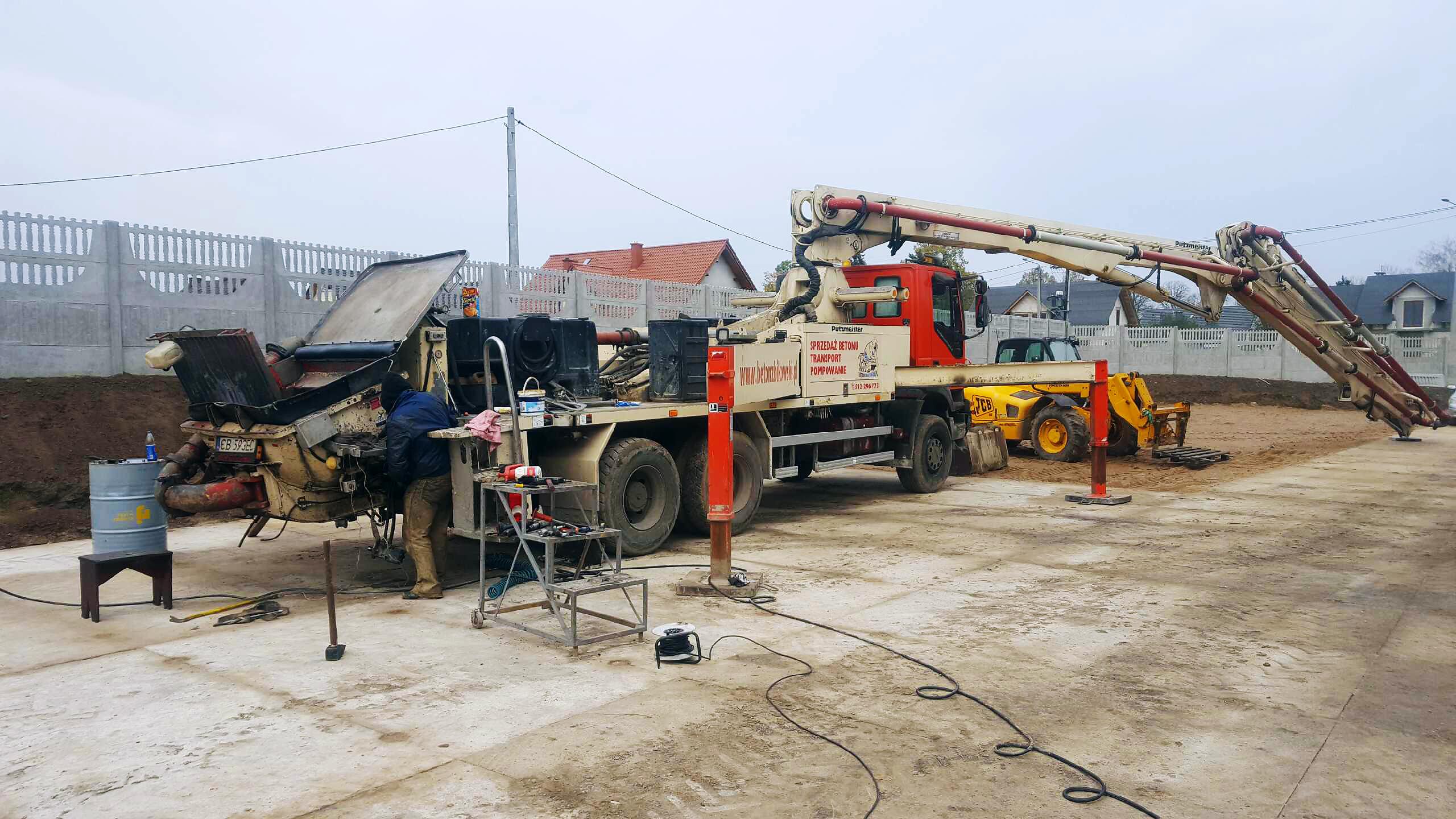Expres-Servis - Pompy do betonu, serwis pomp do betonu, naprawa pomp do betonu, części do pomp Putzmeister.